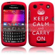 "CAPA SILICONE ESTAMPADA ""KEEP CALM"" PARA BLACKBERRY CURVE 9350 / 9360 / 9370 VERMELHA"